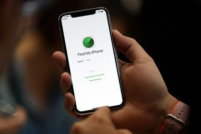 Find My iPhone app on iPhone X screen