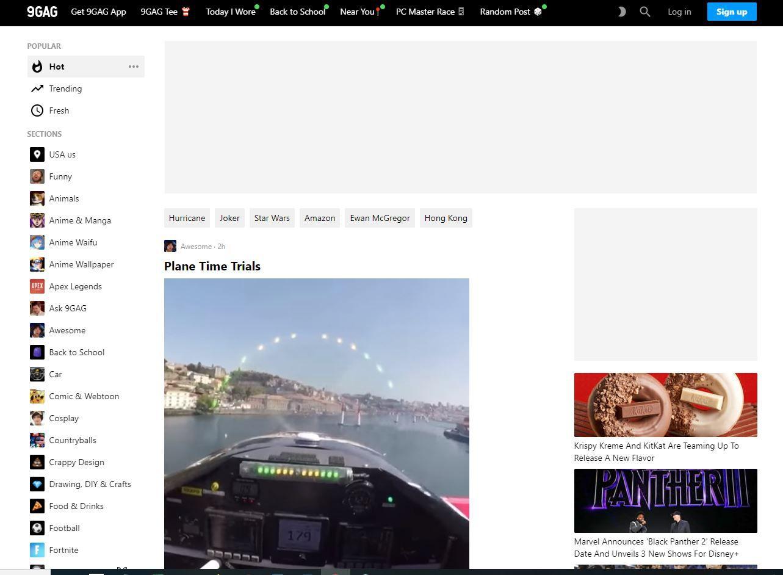 9GAG website