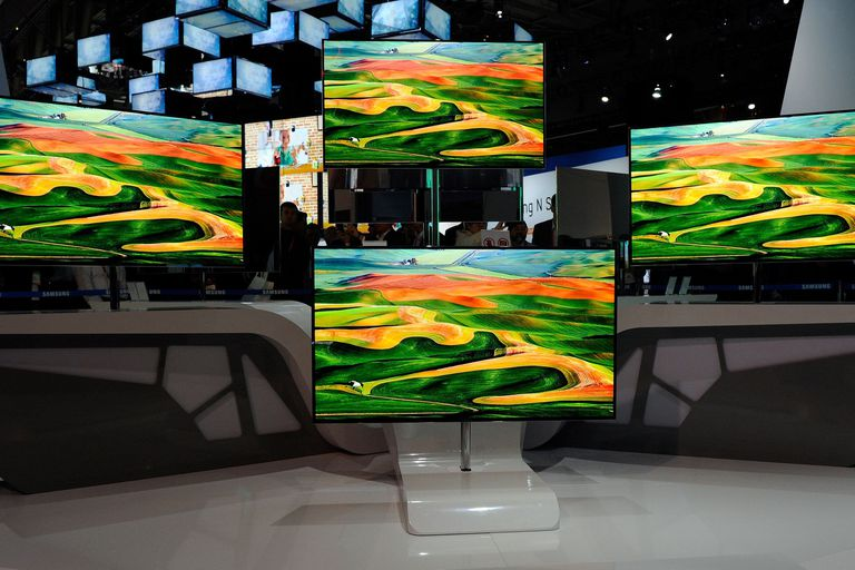 Samsung tvs on display