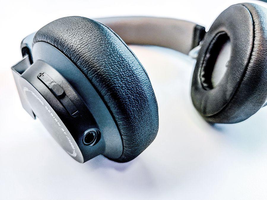 Lifewire on-ear headphones