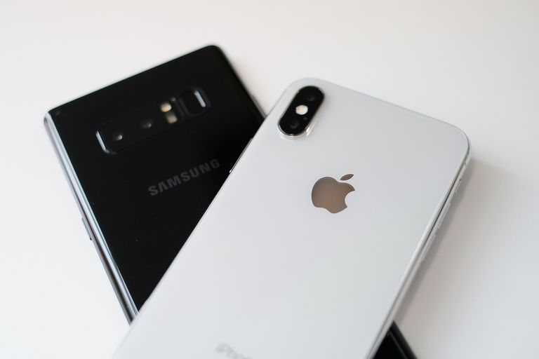 Samsung Galaxy Note and iPhone