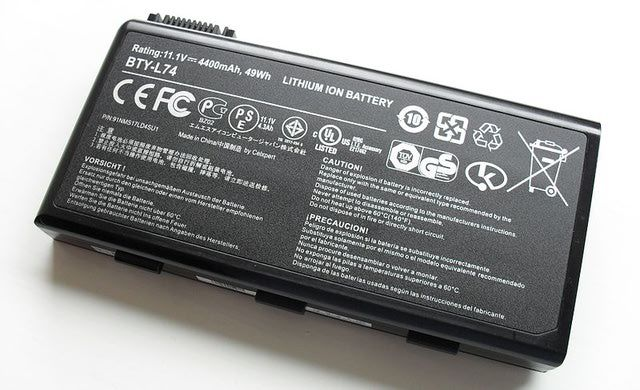 Removing Your Laptop Battery While Plugged In