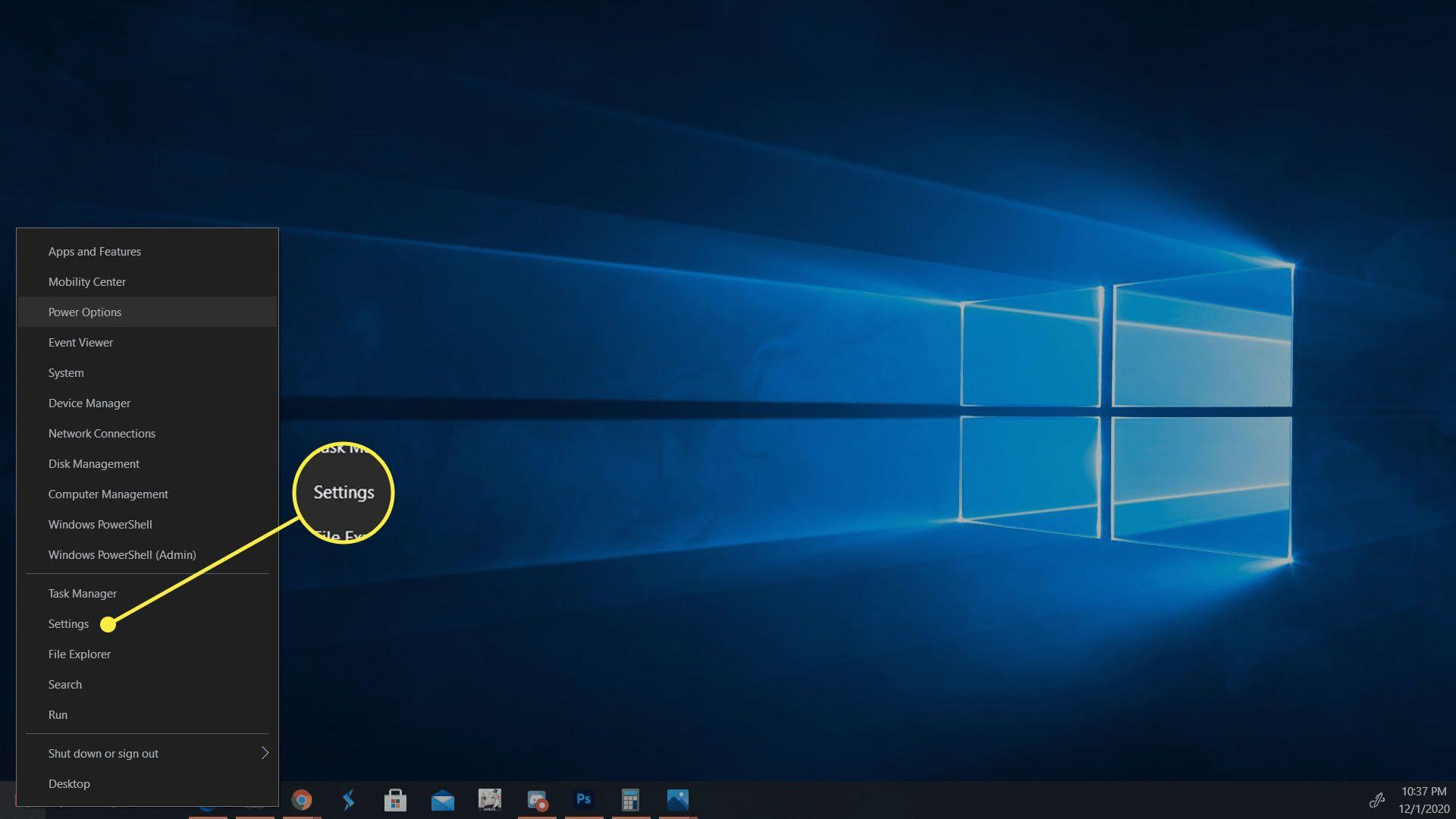 The Settings option in the Windows 10 Start menu.