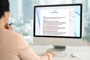 Highlighting text in Pages on a Mac.