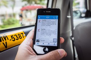 Twitter running on a smartphone