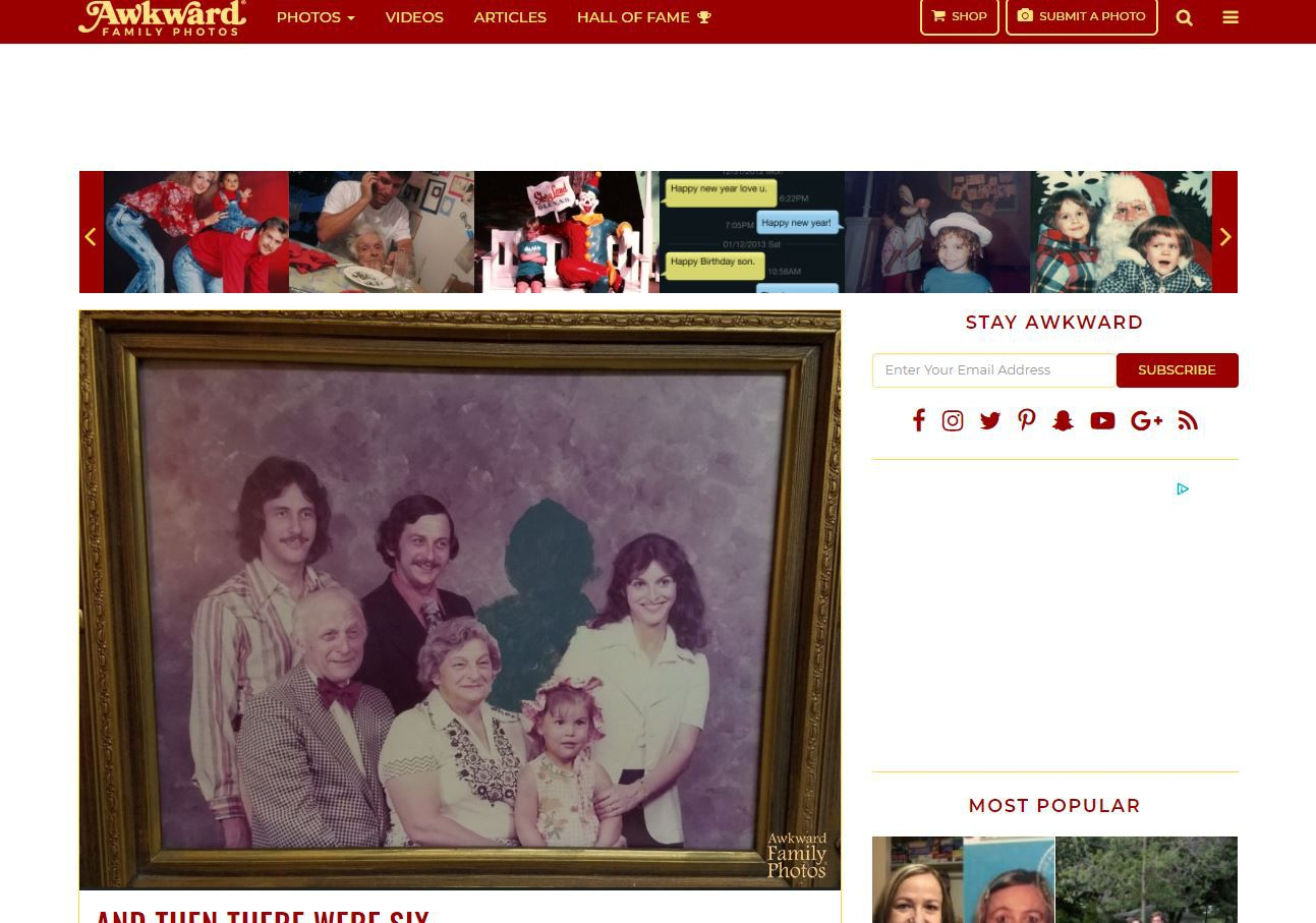 Awkward Family Photos website