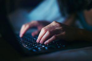 Hands exploiting computer