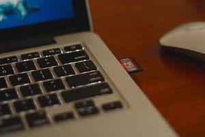 A SD card is in a Macbook