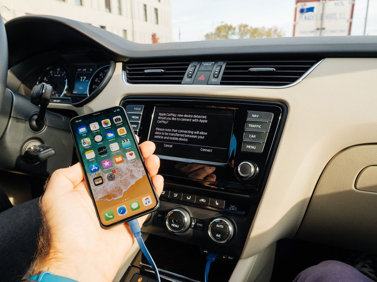 Apple Carplay What It Is And How To Connect To It