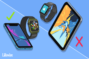 Illustration of Apple Watch near an iPhone (yes) and an iPad (no)