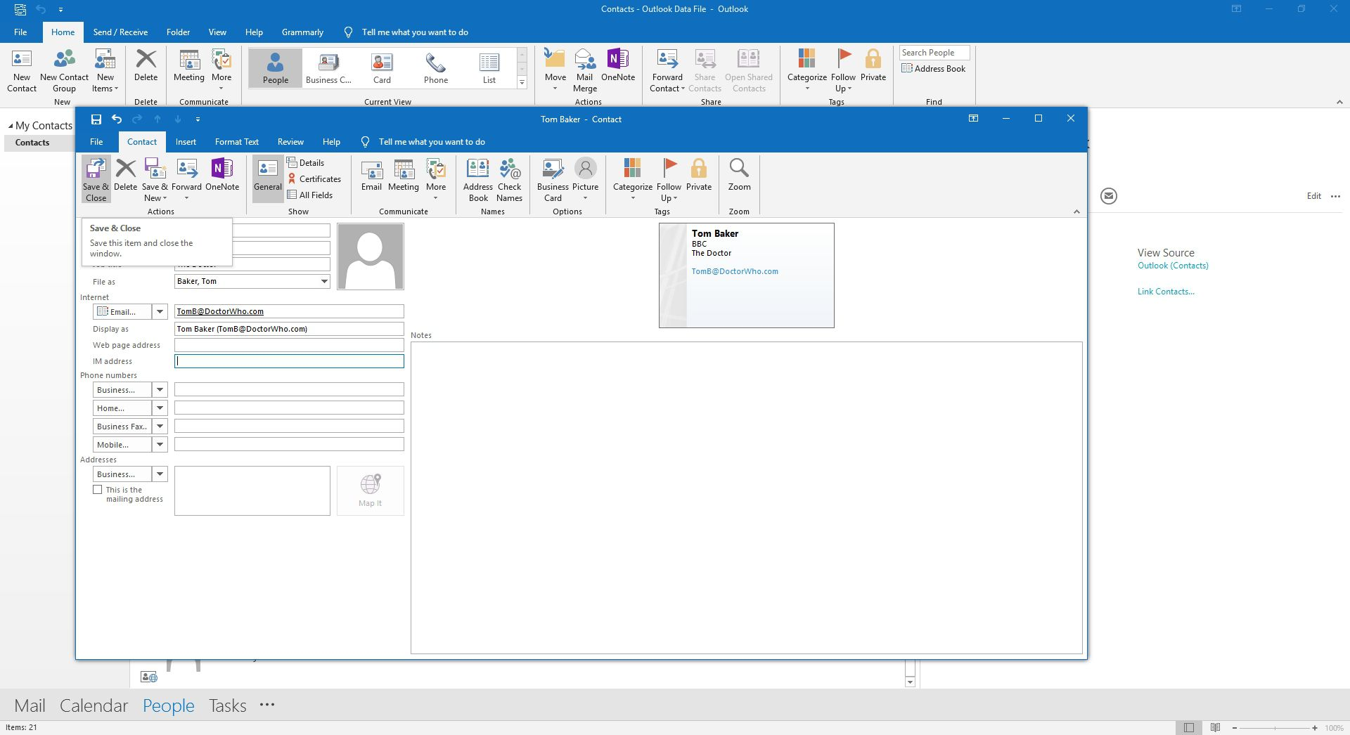 Saving a new contact card in Outlook