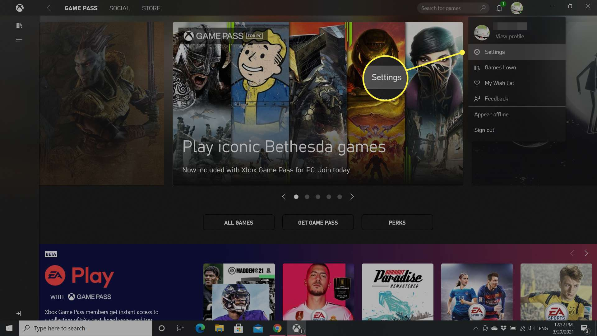 The Windows 10 Xbox app with the Settings option highlighted