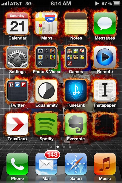 Pimp your screen iPhone wallpaper app
