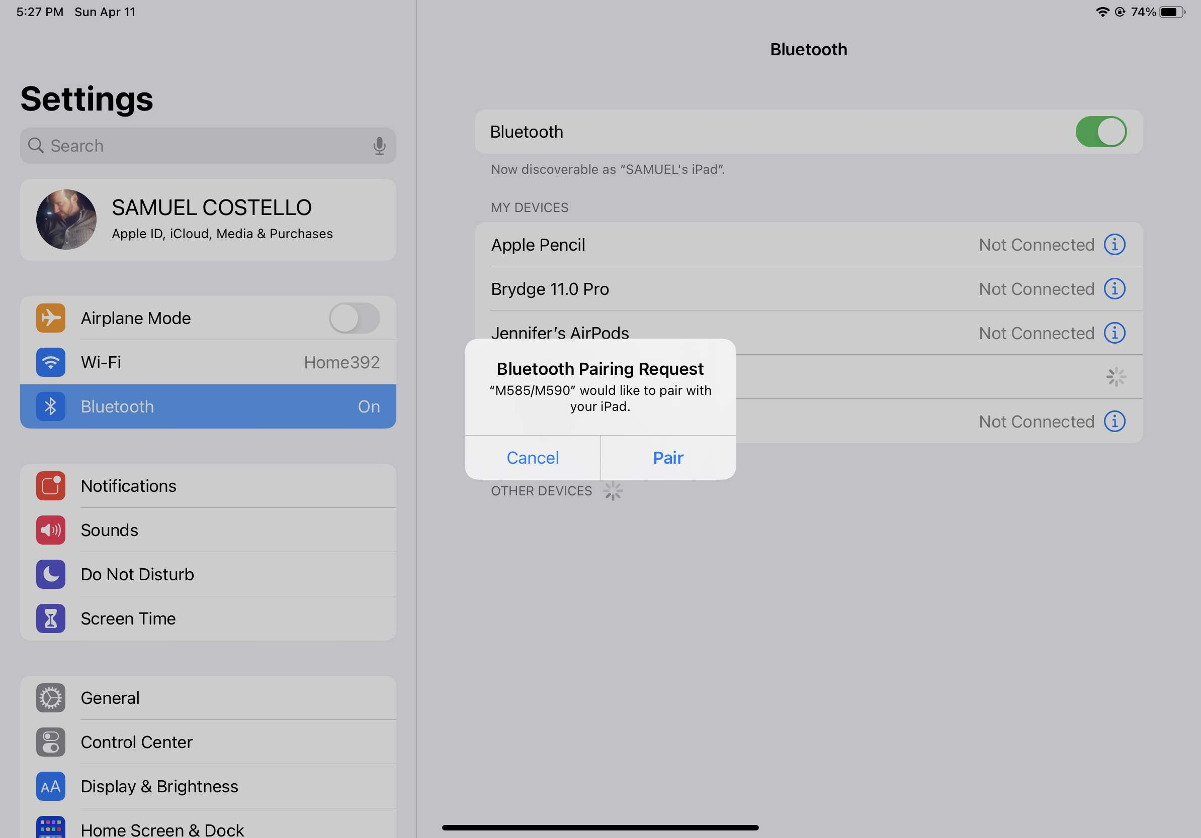 Screenshot of an iPad prompting to pair a Bluetooth mouse