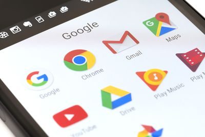 Google app icons on Android, including Gmail icon.