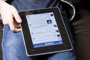Using Facebook on iPad