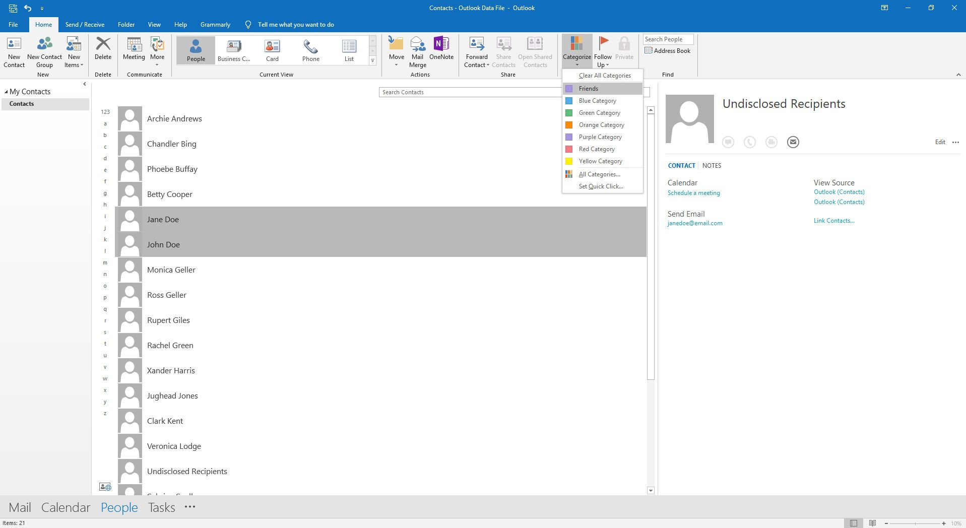 Choosing a contact category in Outlook