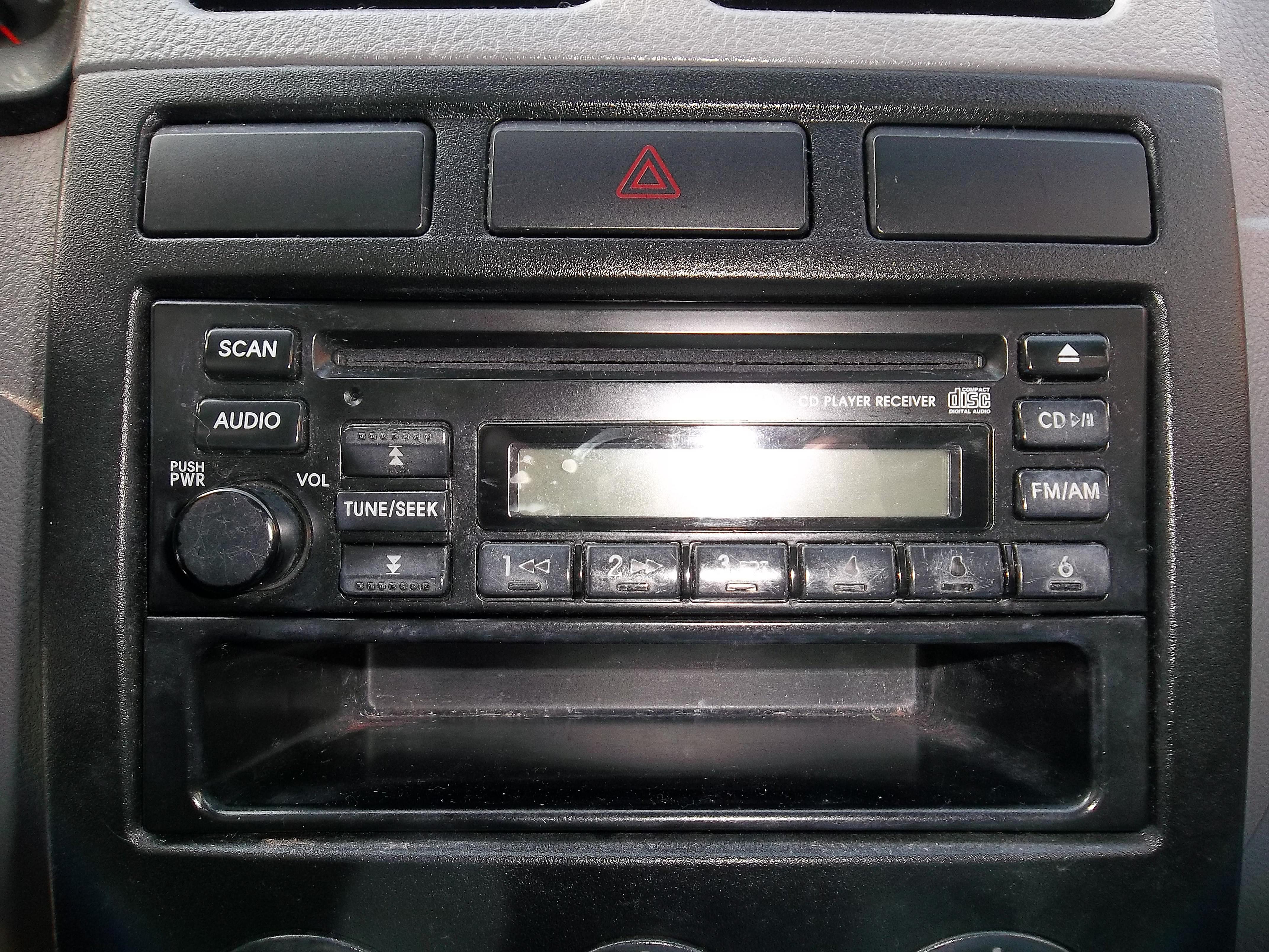 Kia Rio Dash And Stereo Head Unit
