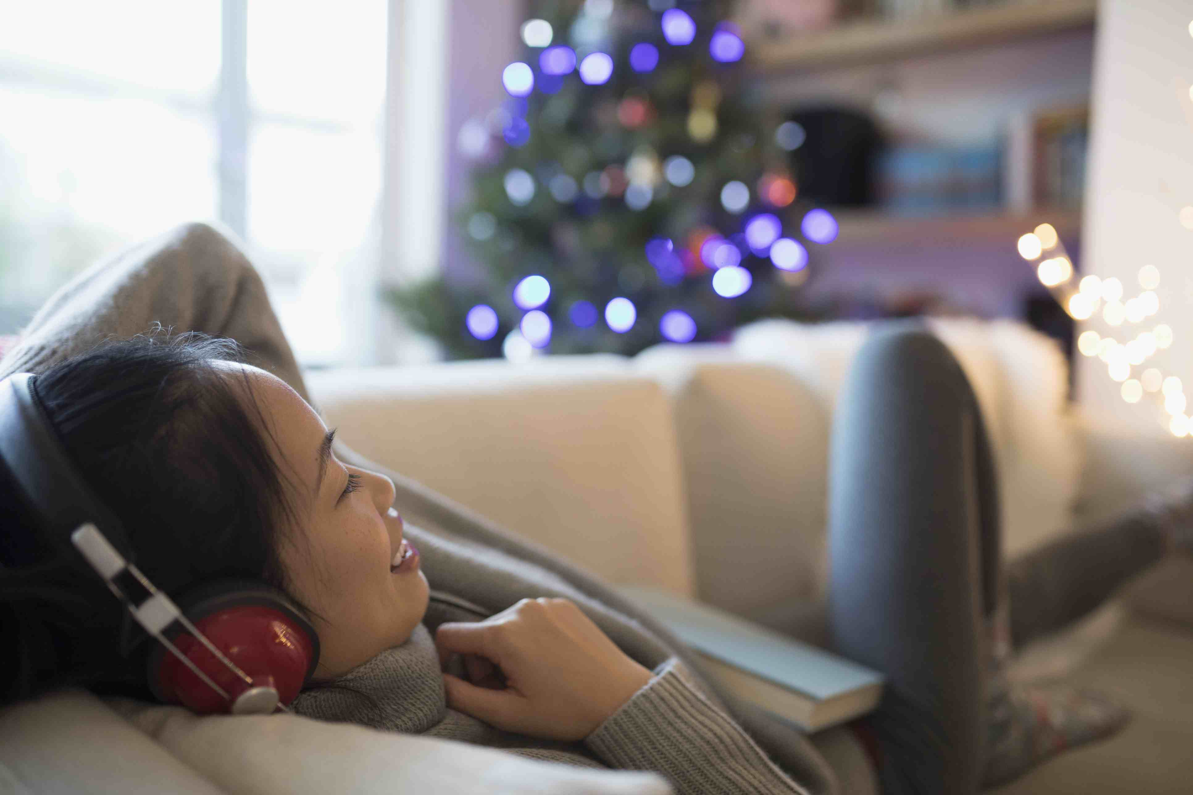 10 Free Christmas Music to Download and Stream