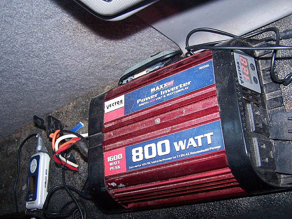 Choosing And Installing A Car Power Inverter In Or Truck How Many Amps Does An Automotive Fuse Box Generate