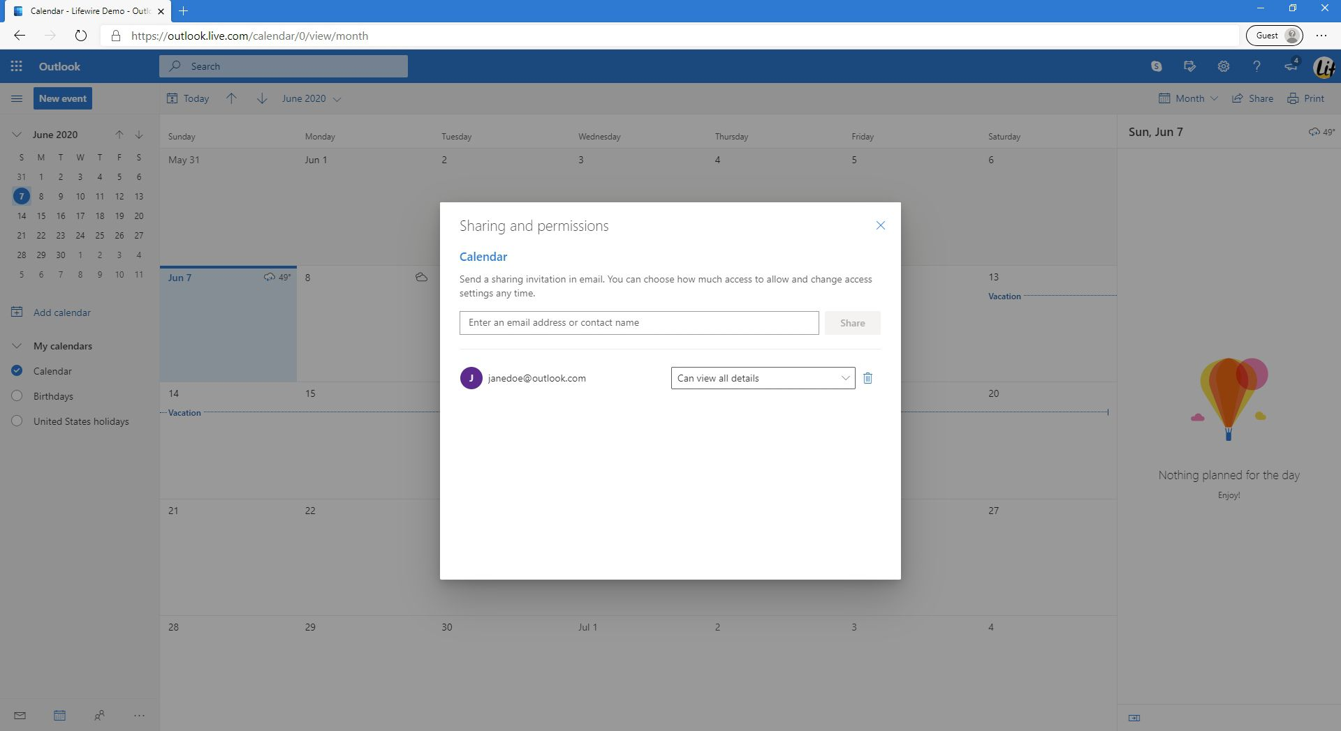 Displaying the email addresses that the calendar in Outlook.com is being shared to.