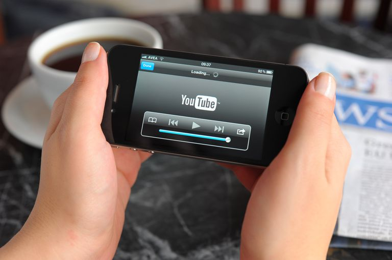 Watching Youtube video with iPhone 4