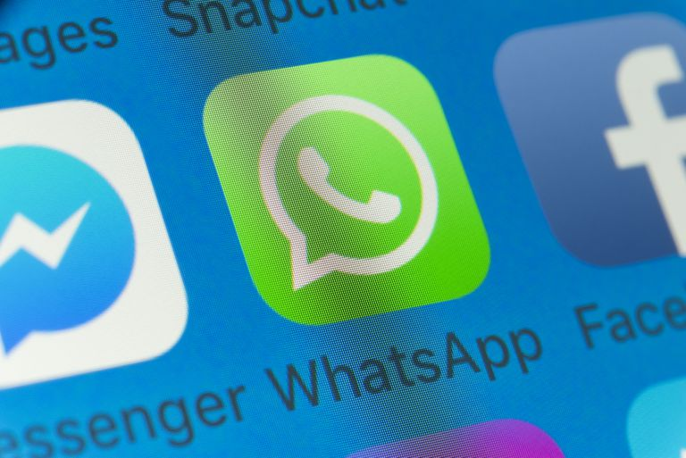 WhatsApp vs  Viber Messenger Apps