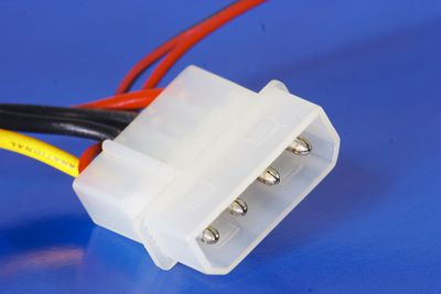 4 pin peripheral power connector