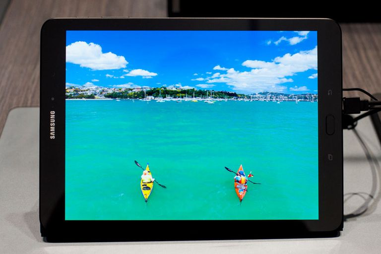 Slate Tablets: iPad vs Galaxy Tab vs HP Slate 500