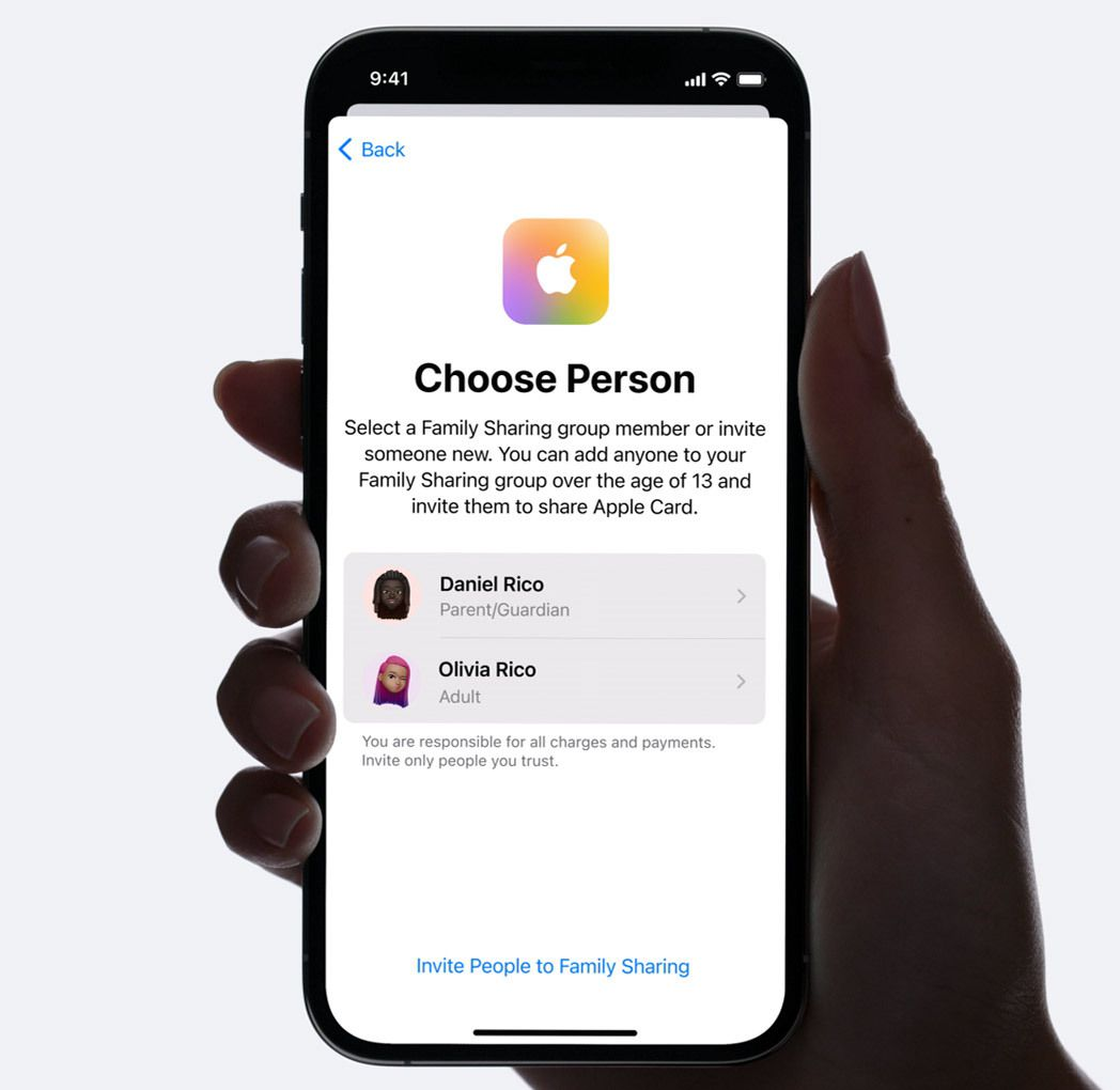 Choose a person to share an Apple Card with in iOS 14.7