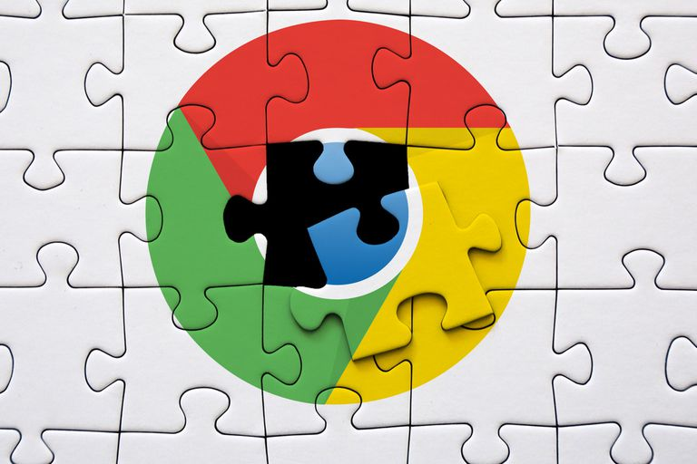Google Chrome icon superimposed on puzzle peices