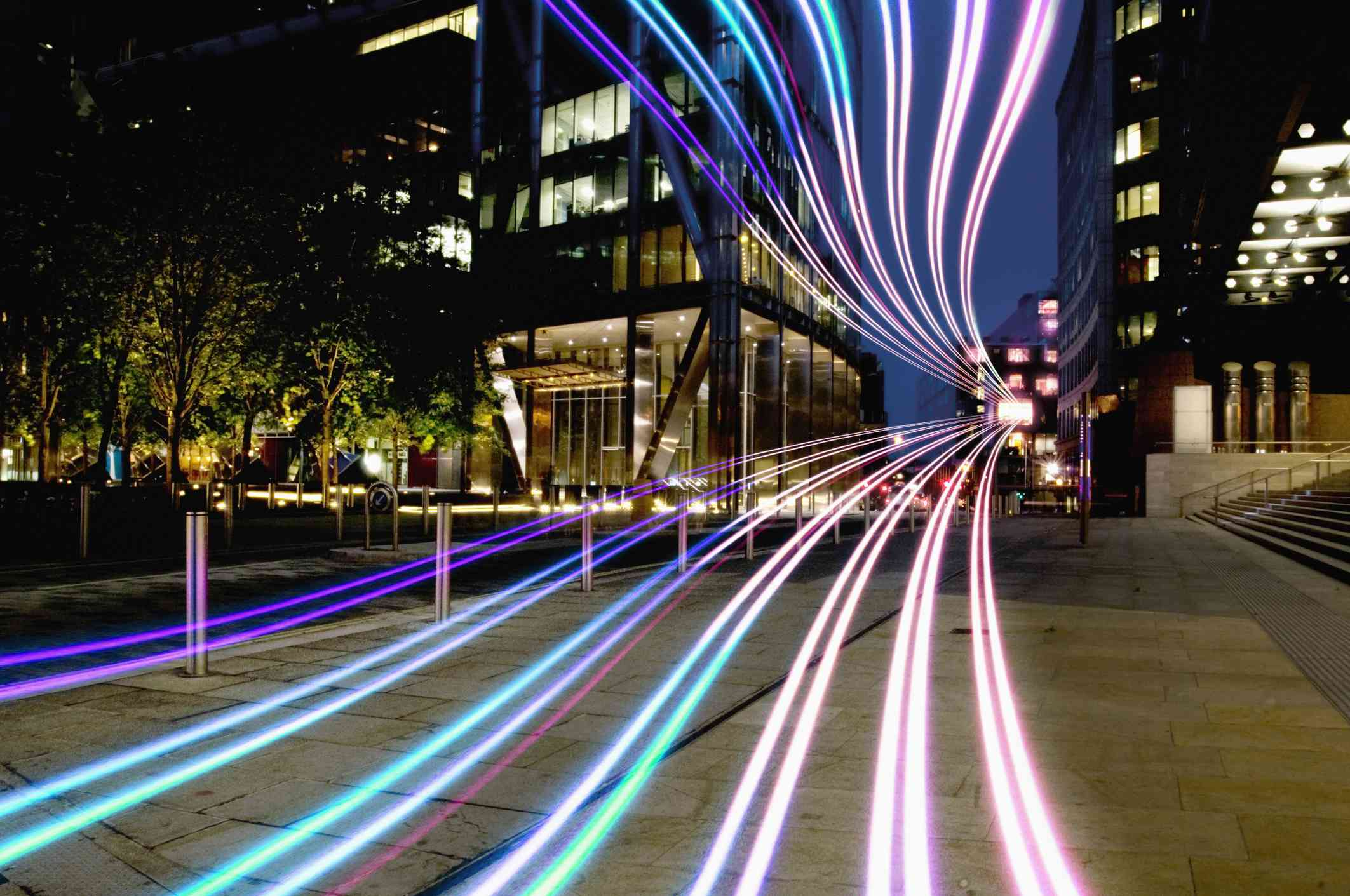 connection with dynamic fibre optic light trail