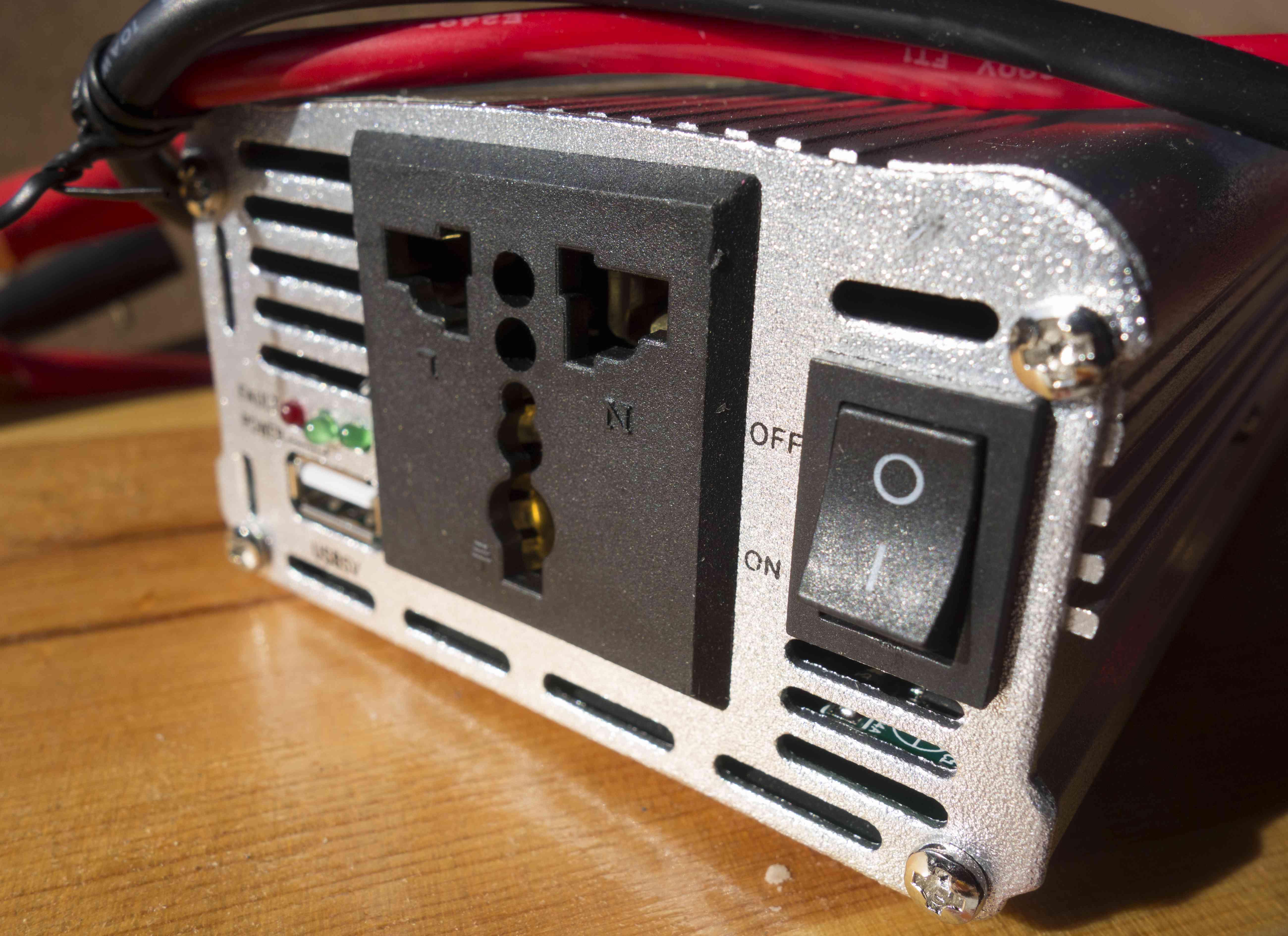 Modified sine wave inverter (12 Volts DC 230 Volts AC)