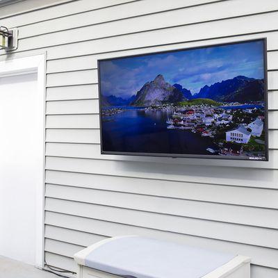 SkyVue 55-inch Sealoc Costal Silver TV