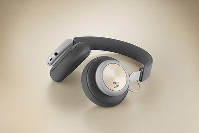 8 Best Wireless Headphones for TV RF & Bluetooth (2019)