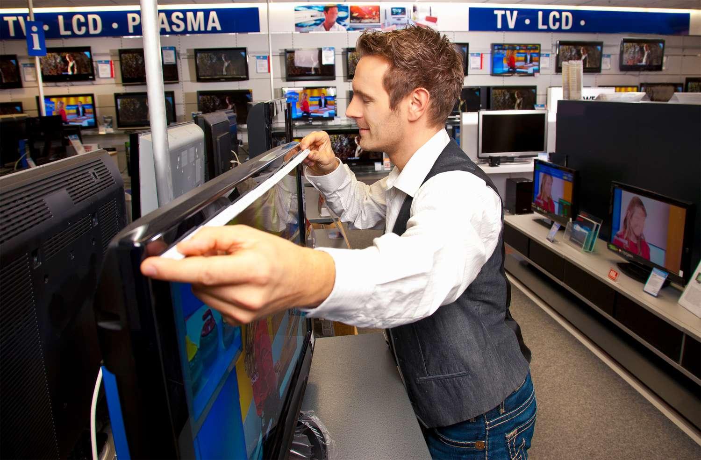 Man Measuring TV size
