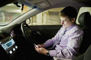 cellphone in car