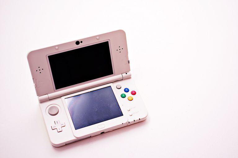 Pink Nintendo 3DS