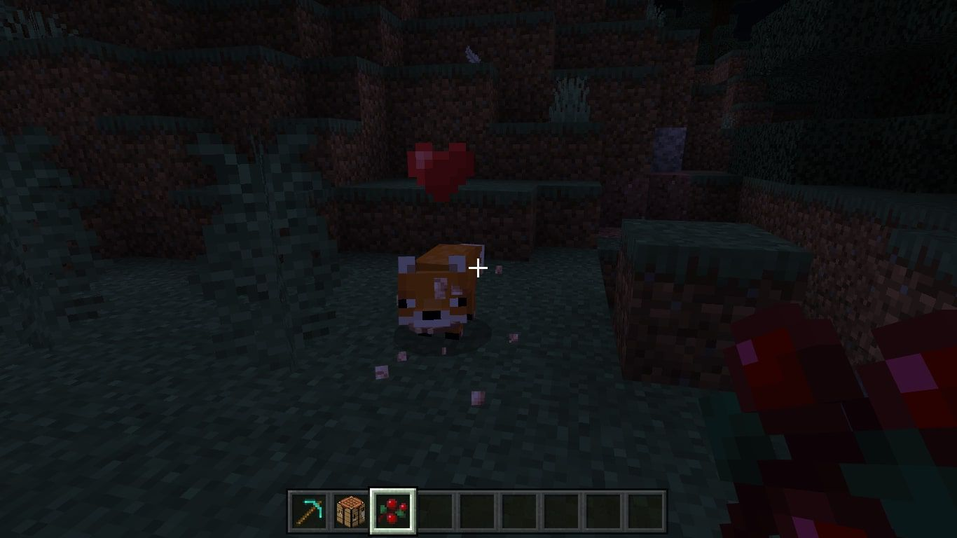 A tame fox in Minecraft