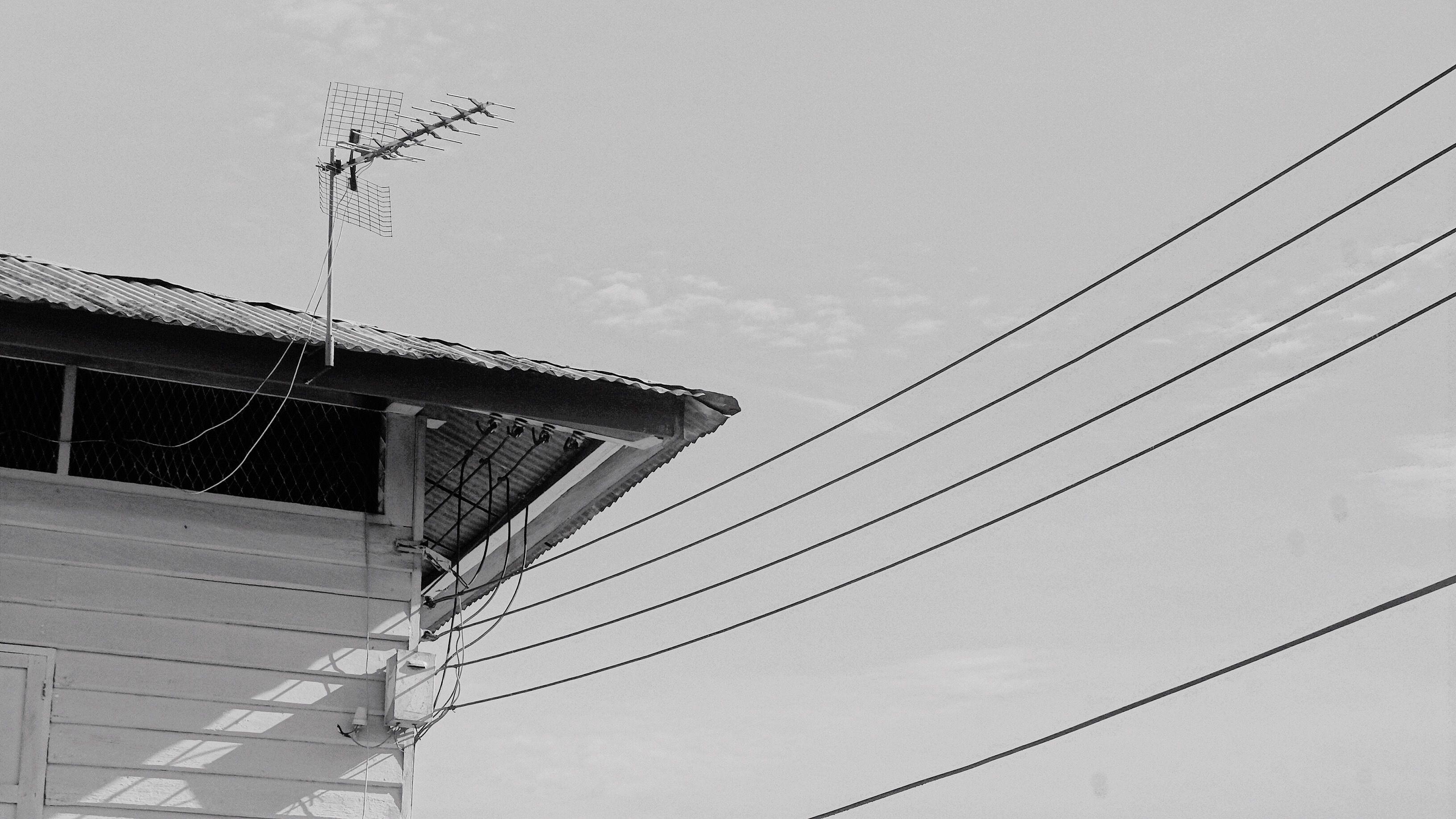 Choosing an Outdoor Antenna with Antenna Web