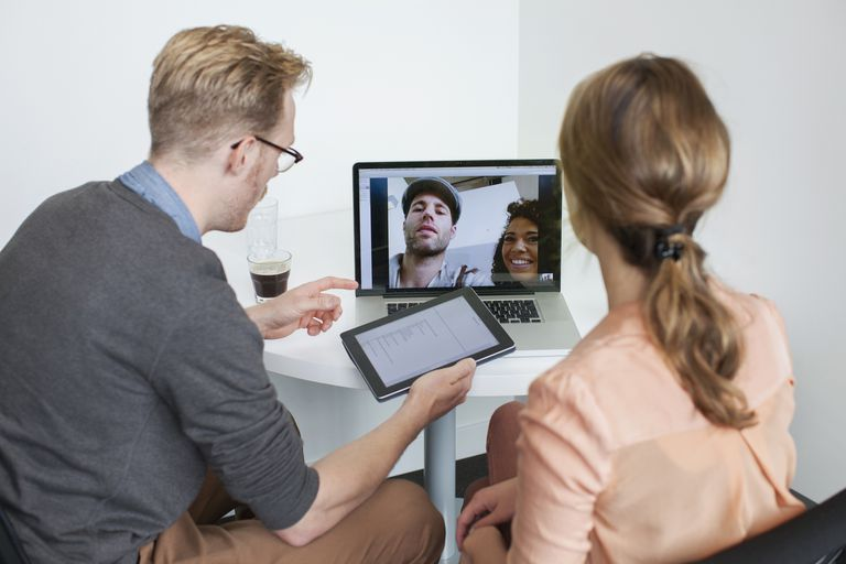 GoToMeeting vs  WebEx Meeting Center