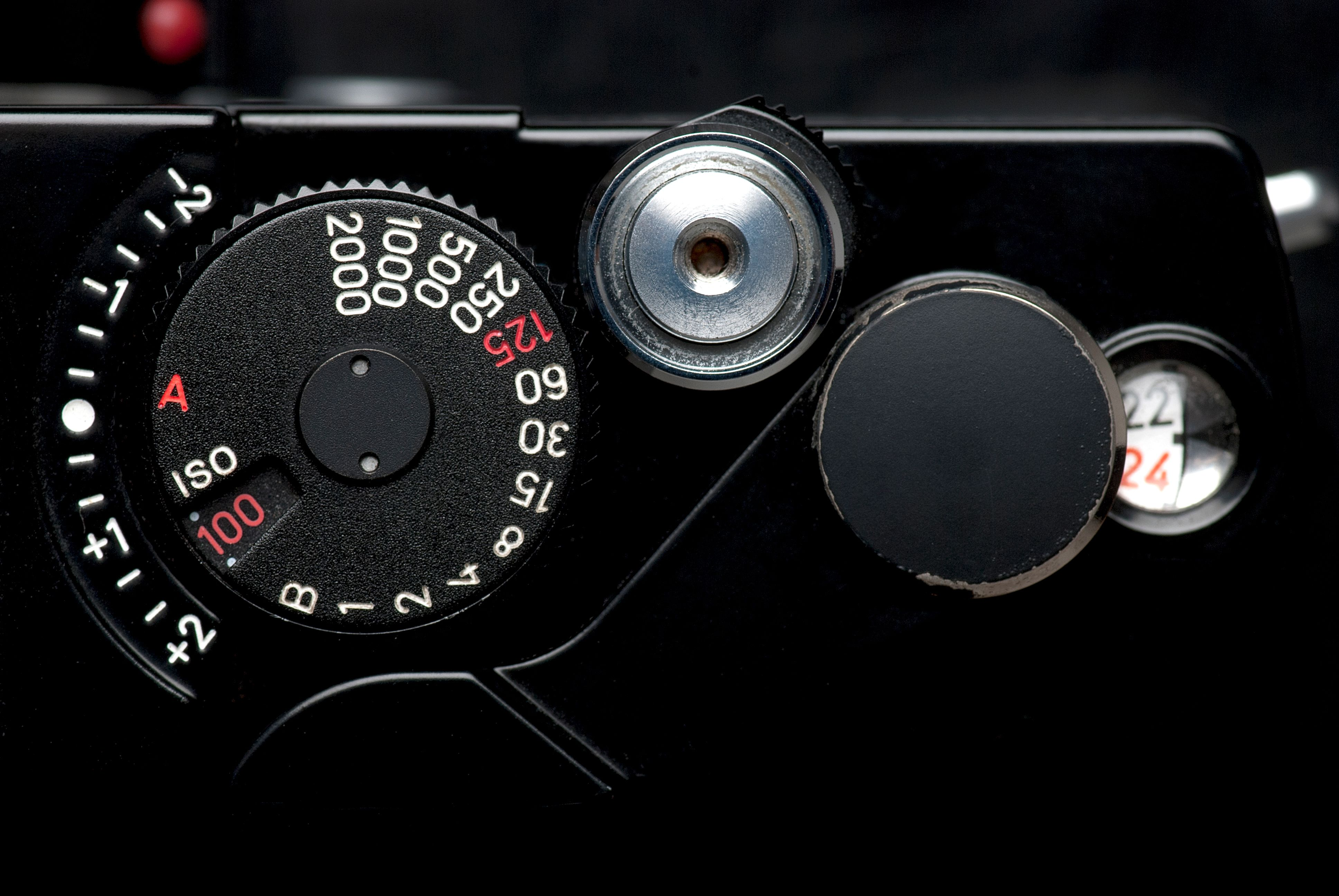 A vintage camera's shutter speed dial