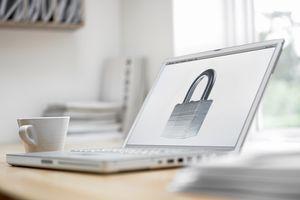 Lock image on computer screen