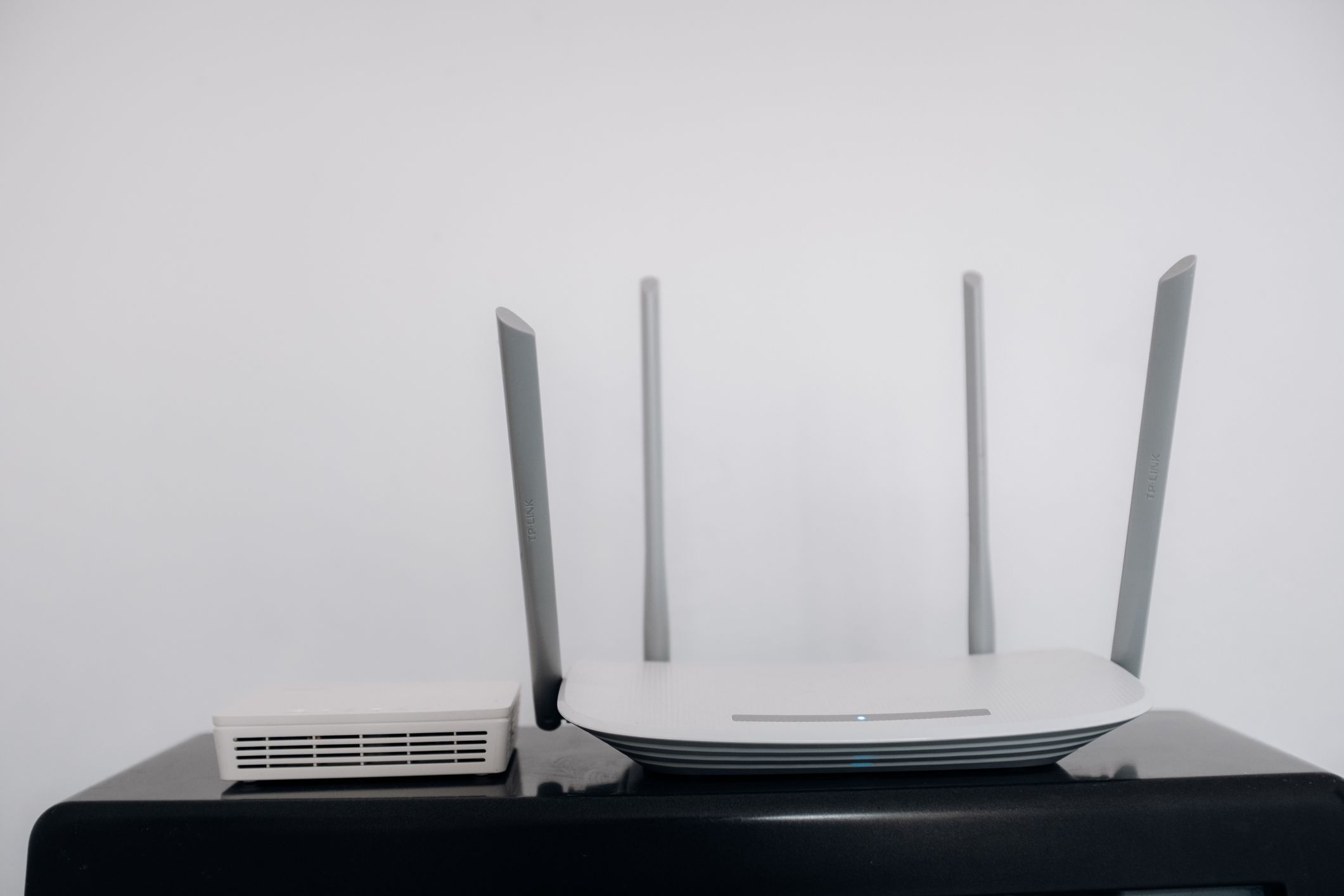 How to Get Internet Without Cable or Phone