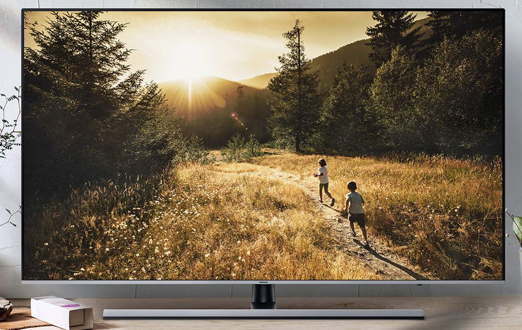 Samsung UHD LED/LCD TV Lifestyle Example