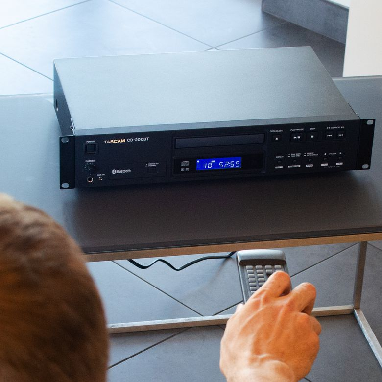 Tascam CD-200BT Rackmount CD Player