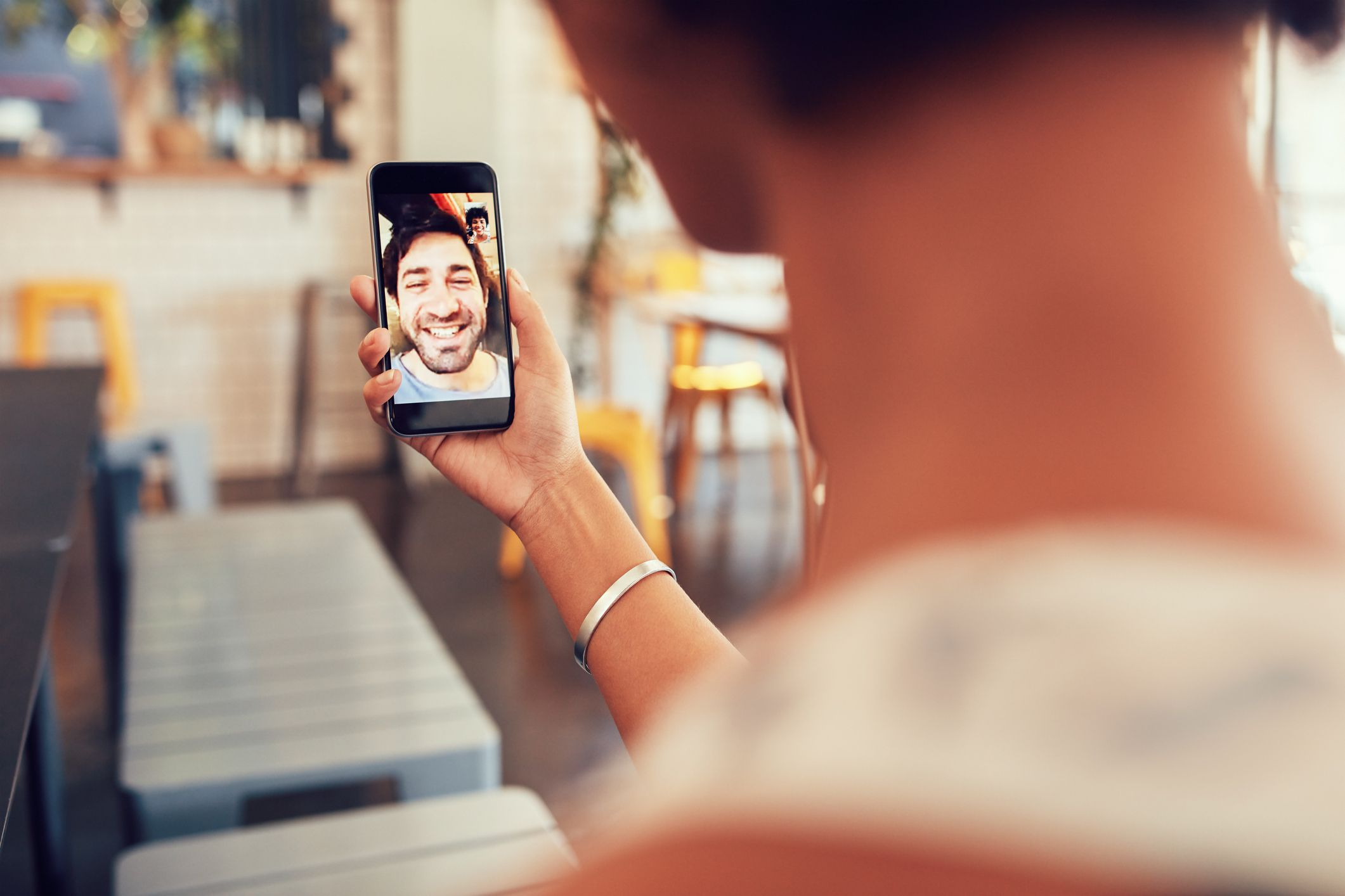 Can You Download FaceTime For Android? (8 Good Options)