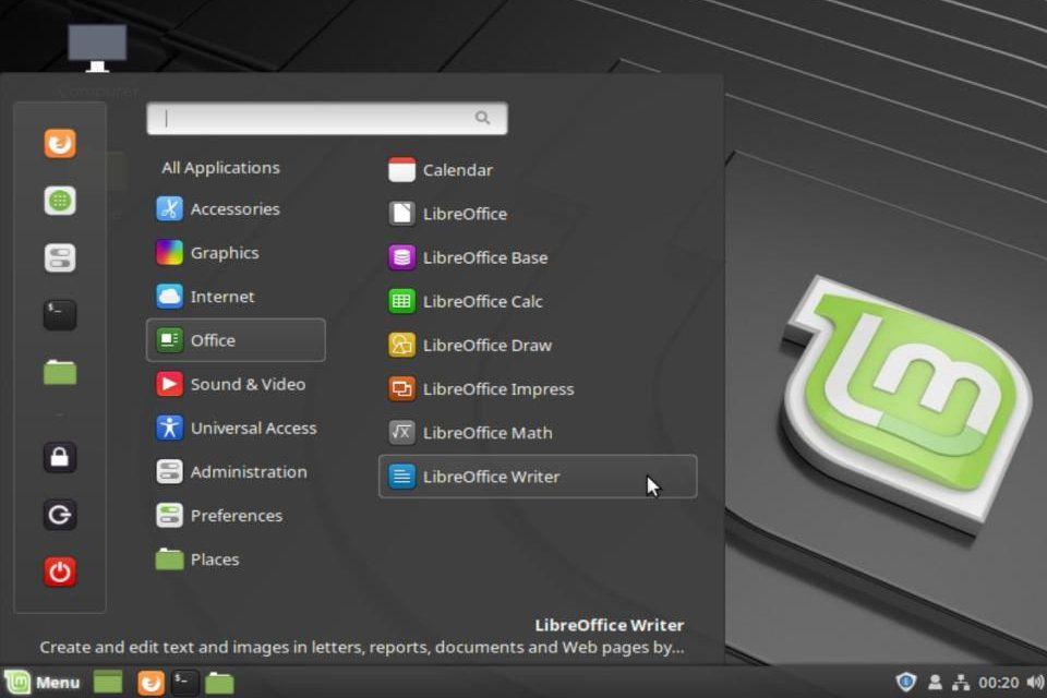 The Linux Mint desktop Main Menu