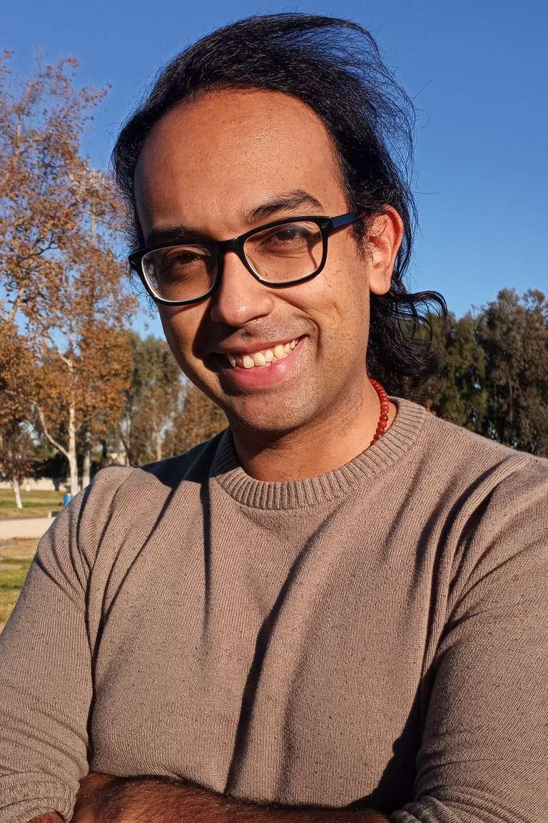 Cesar Cadenas Writer