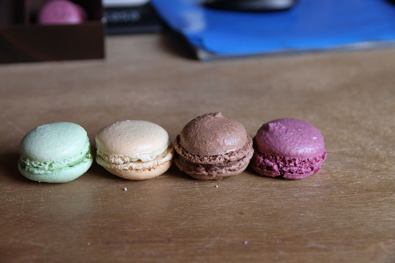 Four macroons in mixed colors